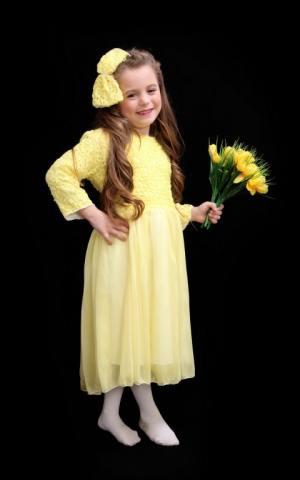דגם 127 א' שמלה צהובה ופפיון